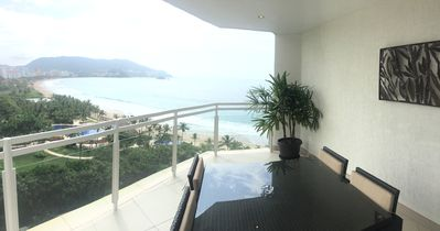Photo for Spectacular Views, Bay View Grand Marina, 10th Floor