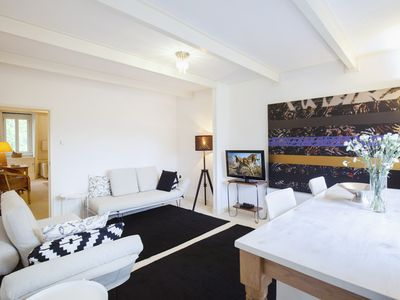 Photo for Stunning one bedroom Bed & Breakfast, for up to four guests, located next to the Sarphatipark in Ams