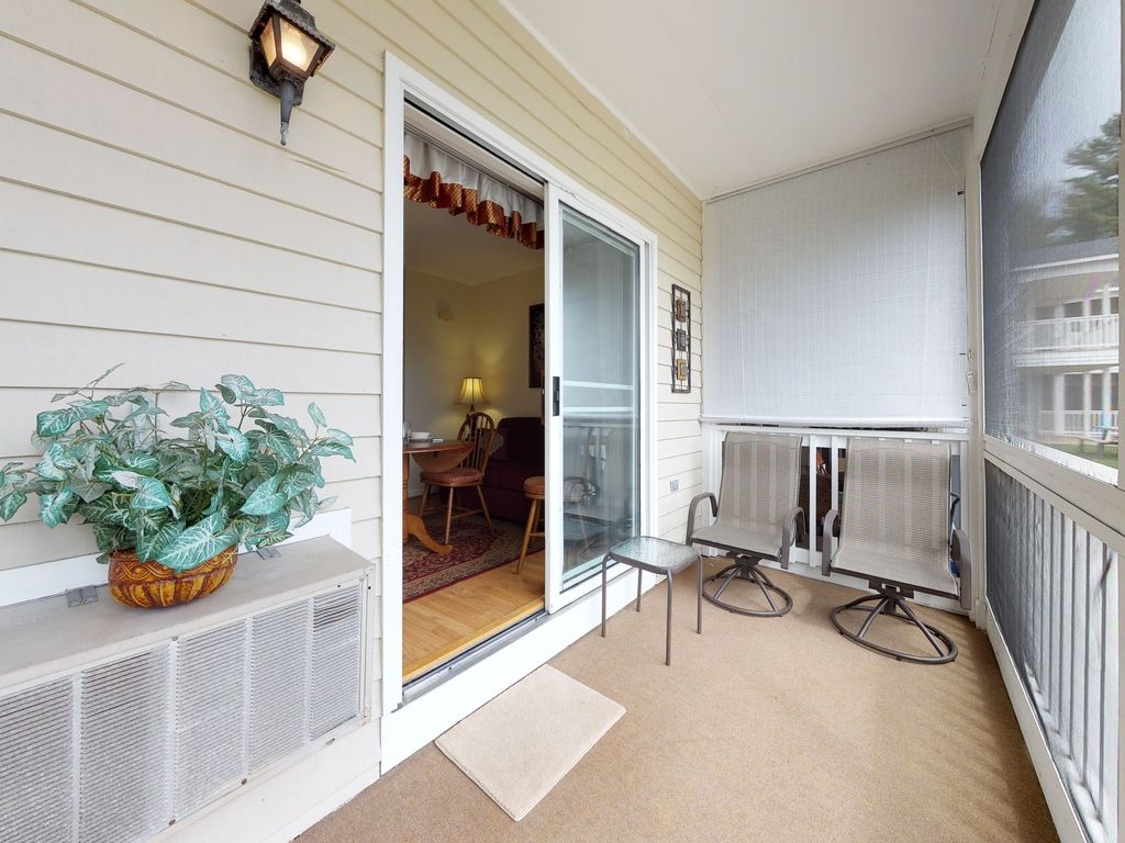 Studio Condo W Screened Porch Amp Shared Poo Homeaway