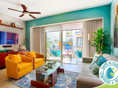 Photo for Fully Equipped, Centrally Located Condo | Pools, Gym, Romantic Zone