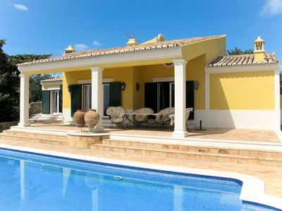 Photo for Nice apartment for 7 people with WIFI, private pool, TV, balcony and parking