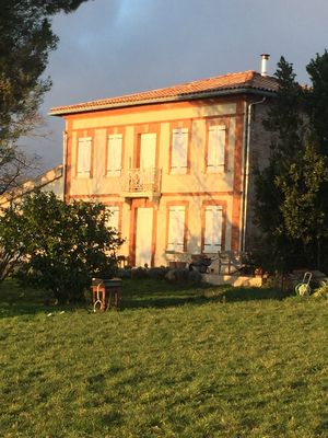 Photo for Large house in Toulouse, 8 kms from Toulouse center-6 bedrooms-10 people, swimming pool