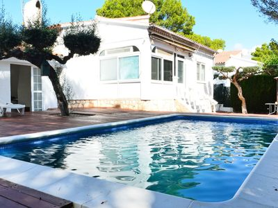 Photo for Beautiful private villa for 8 people with hot tub, WIFI, A/C, TV and parking