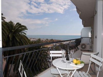 Photo for Apartment Menton, 2 bedrooms, 5 persons