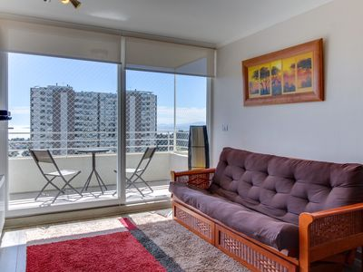 Family apartment with beautiful bay views and free wifi!