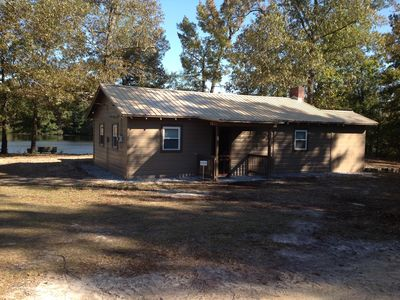Secluded Retreat with Hot Tub, and Pond ideal for Fisherman or Family Get Away