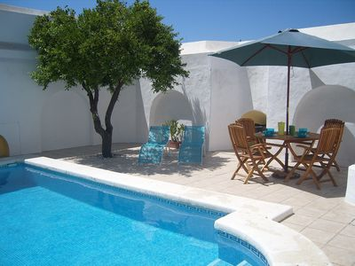 Photo for Charming house with private pool  in the heart of the medieval quarter of Vejer