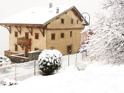Photo for Friendly chalet located 150 m from the charming village of Peisey