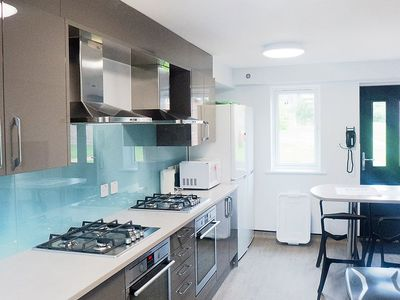 Photo for House 1.4 km from the center of Canterbury with Parking, Washing machine (112153)