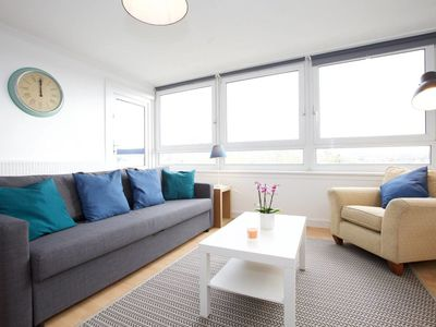 Photo for Lovely 3 bedroom flat in Kennington (sleeps 8)