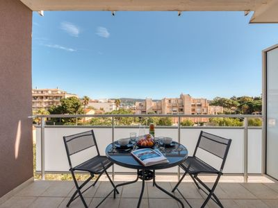 Photo for Apartment Porto di Mar in Cavalaire - 2 persons, 1 bedrooms