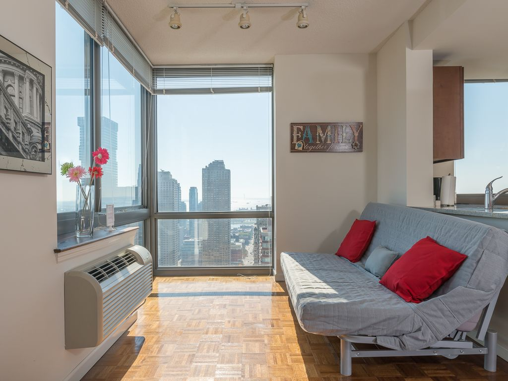 Luxury apartment with breathtaking views of new york city for Luxury apartments in new york city