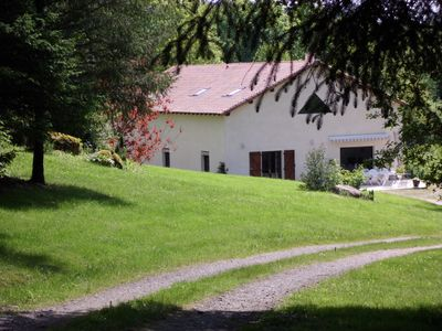 Photo for House rental 7, 8 people at the edge of a private pond, comfortable;