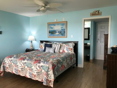 Laguna Reef Hotel, Unit #124 -King bed w/twin sofa sleeper)