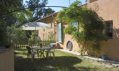Photo for Apartment in ground garden in country house, quiet total, near beaches and Hyères