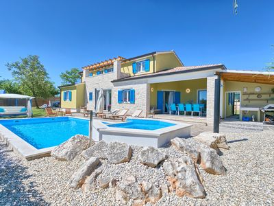 Photo for Heavenly villa in the heart of Istria for a maximum of 12 persons