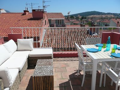 Photo for T3 triplex with large roof terrace in the village center and parking