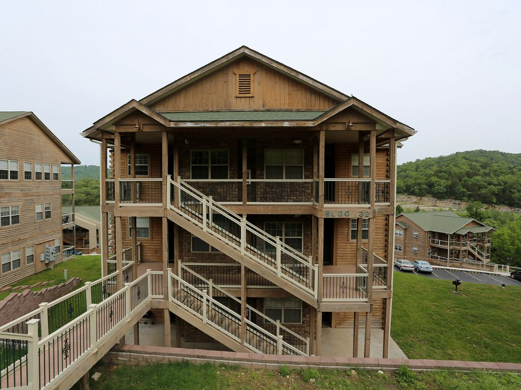 Branson vacation rental eagles nest indian point silver dollar city 321604 indian point table for Branson condo rentals 3 bedroom