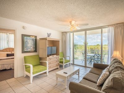 Photo for Resort condo w/ private parking, shared pool, hot tub - dog OK! Family-friendly!