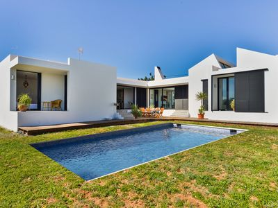 Photo for Magnificent villa with private pool and garden