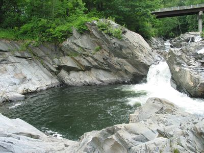 Private Swimming Hole & Waterfall only 500 feet from the house