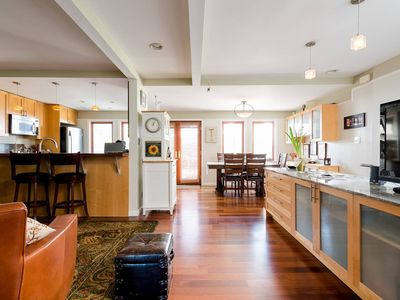 Photo for Central SF home with Patio and Parking by CalTrain