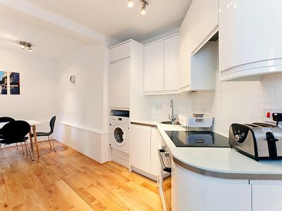 Photo for Apartment Flat 9 in London West End - 4 persons, 1 bedrooms