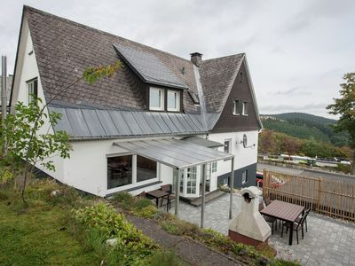 "Photo for Holiday home in a quiet location directly above the ""Postwiese"" skiing area in Neuastenberg"