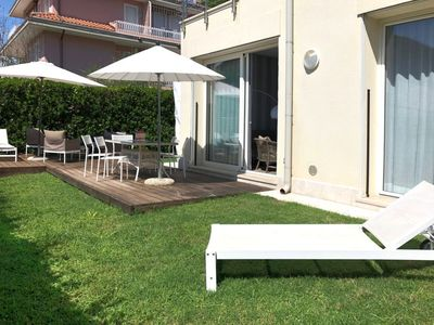 Photo for Capanne-Prato-Cinquale Holiday Home, Sleeps 6 with Air Con and WiFi