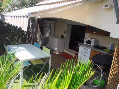 Photo for Cozy 30 sqm studio and 35 sqm landscaped garden on Nice hill, sea view.