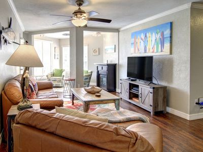 Sand in Your Toes: Pool, Close to Beach, Private Beach Walkover, Pet Friendly