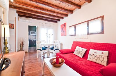 Photo for Sol Madrid I apartment in Sol with WiFi, integrated air conditioning, private roof terrace & lift.