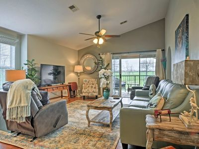Photo for Holiday Hills Resort Condo - Mins to Branson Strip