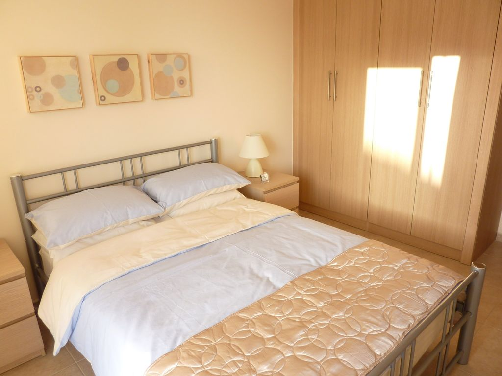 Kiti Apartment Al Ious Double Bedroom With Ed Wardrobes