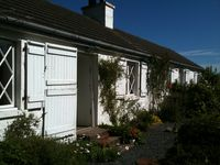 Cozy,but spacious, secluded cottage surrounded by a lovely garden - we had a great time there.