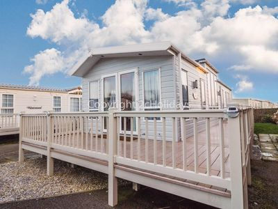 Photo for 6 berth Luxury lodge for hire at California cliffs in Norfolk ref 50001