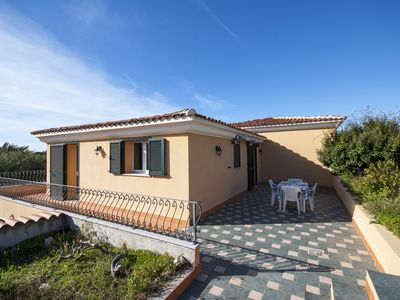 Photo for Beautiful villa free on 3 sides to 300 m walk from the sea