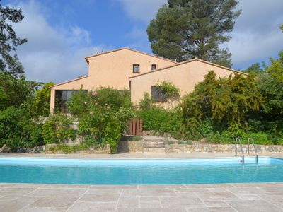 Photo for Spacious villa with pool 12 people between the Mediterranean sea and Verdon