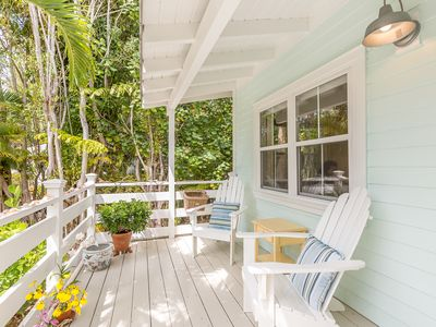 Photo for Sanibel Island Cottage w/ Lanai, Gourmet Kitchen, Outdoor Shower, Near Beach