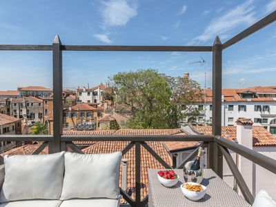 Photo for Ca' Della Luce apartment close to the Grand Canal in the district of San Marco