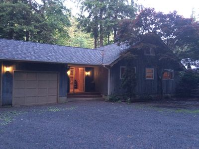 Cozy cabin on the Sol Duc River in Forks, WA near Olympic Park and beaches!