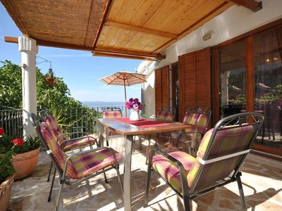 Photo for Two bedroom apartment with terrace and sea view Sumpetar (Omiš)