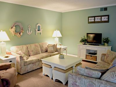 Photo for 2 Bedroom 2 Bath condo with outdoor pool and bay views!