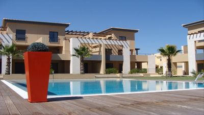 Photo for Ground Floor apartment with pool view in one of the best condominiums or Vilamoura
