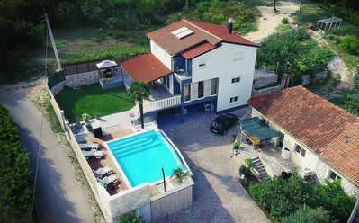 Photo for ctim228 - Luxoriose and modern villa with pool, up to 10 persons(8 adults + 2 children), Zmijavci Makarska
