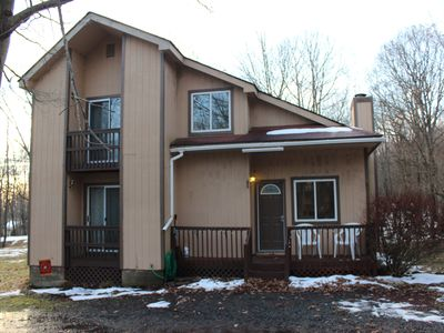 Photo for Cozy  lakehouse get away family-friendly fully stocked with air condition