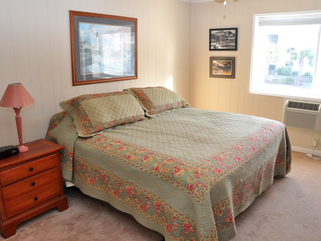 2 Bedroom Condo With Pool By The Beach North Myrtle Beach Myrtle Beach Grand Strand Area