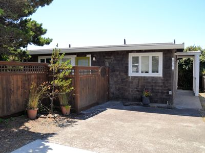 Photo for BARTLETT'S BEACH HOUSE MCA 374~Romantic oceanfront home! Spectacular view!