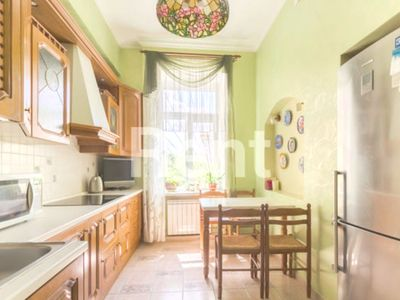 Photo for Spacious 3-room apartment in the city center