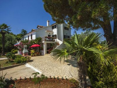 Photo for Holiday house in Rovinj 400 m from the sea, pets allowed